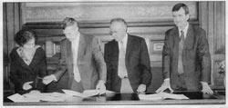 Signature du protocole d'accord avec les opérateurs par Jacques Martin, maire de Nogent sur Marne